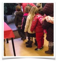 Children-Lining-up